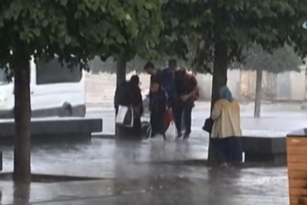Meteoroloji uyarmıştı! İstanbul'da beklenen oldu